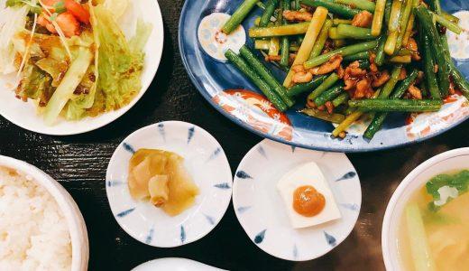 広尾の町中華「来々軒」でニンニクの芽炒め定食