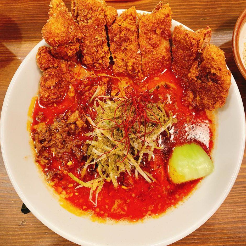 赤い鯨_排骨四川担々麺
